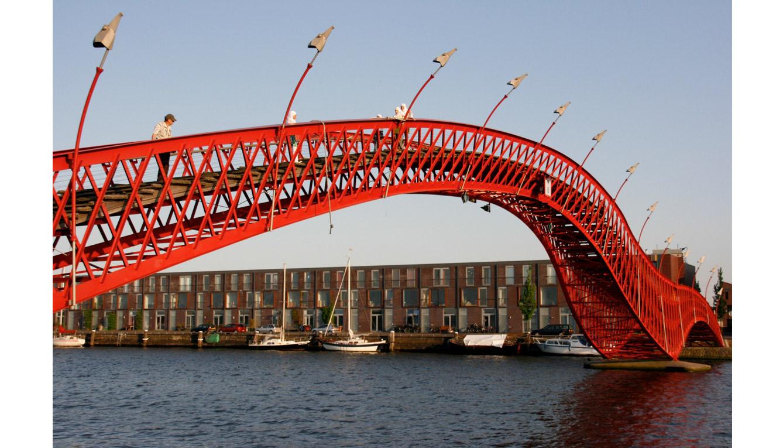 Puente Python (Ámsterdam, Países Bajos)