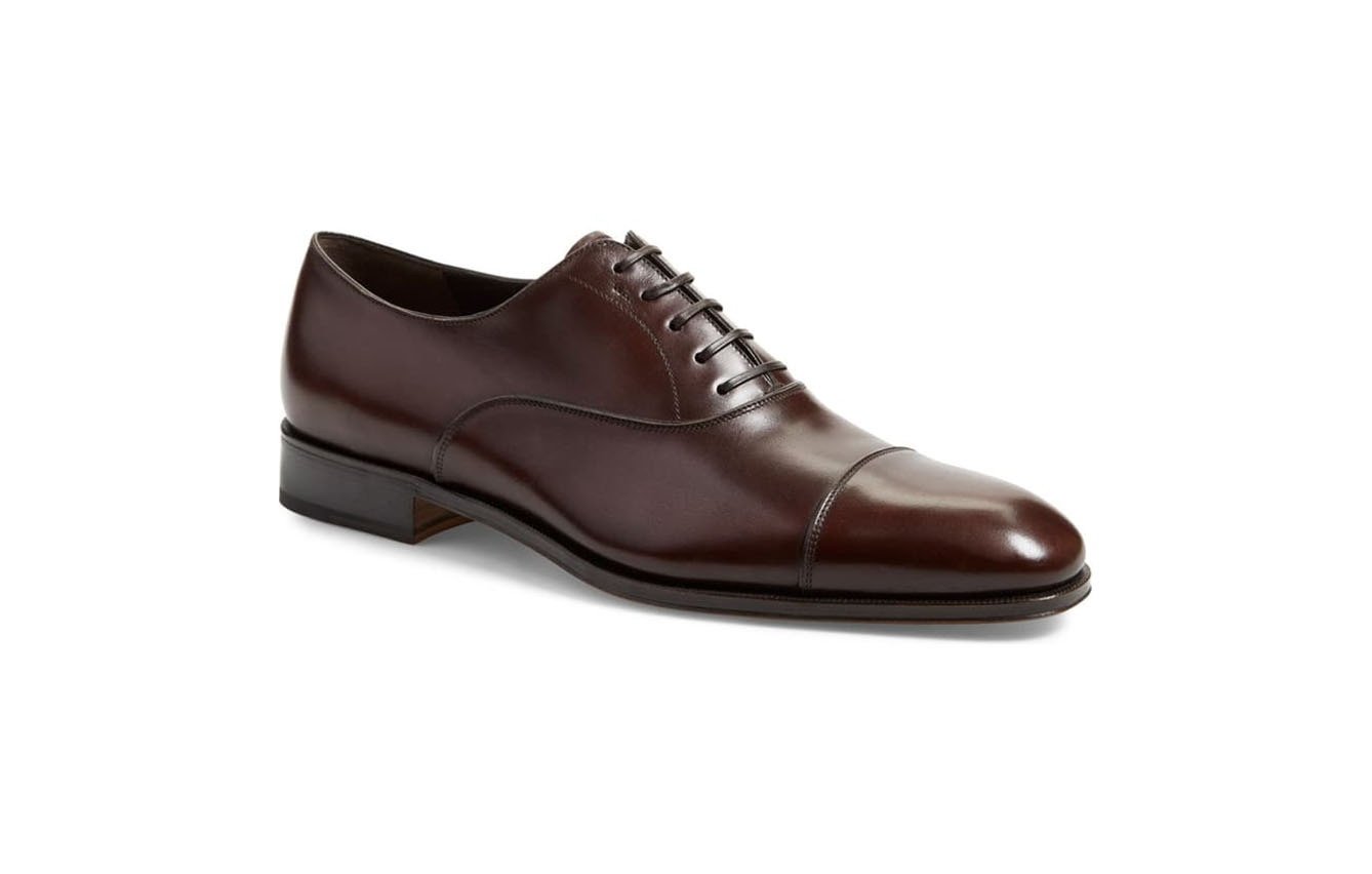 Cap-toe Oxford shoe