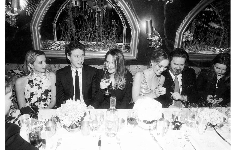 Greta Bellamacina, Georges_Mc Kay, Lily Rose Depp y Kaitlyn Dever