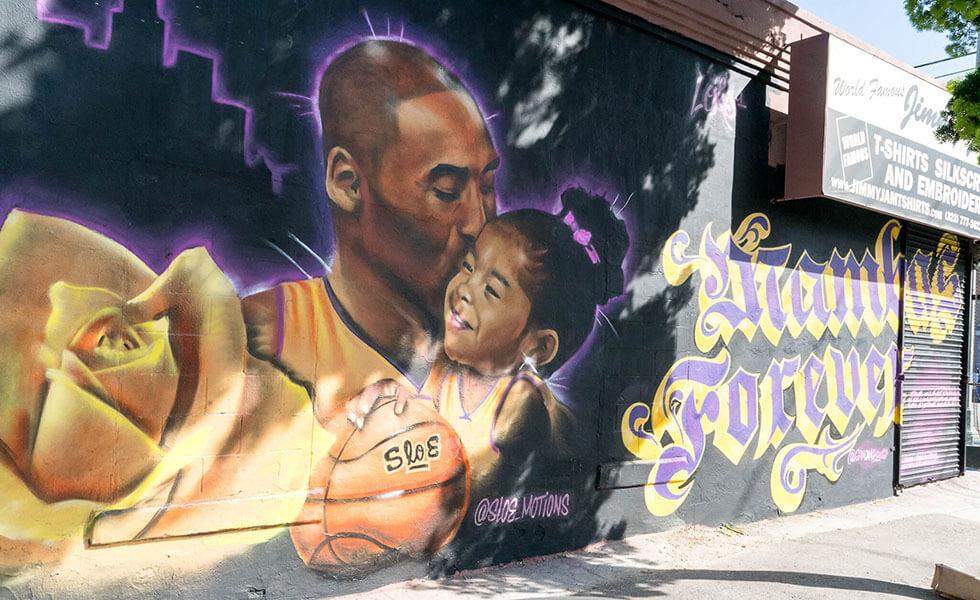 Kobe y 'Gigi' Bryant invaden las calles de L.A.Subtítulo