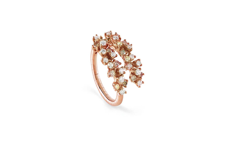 Anillo en oro rosa y diamantes