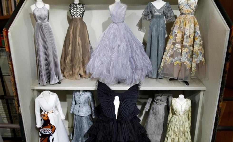 Dior transforma un desfile de moda en una casa de muñecasSubtítulo