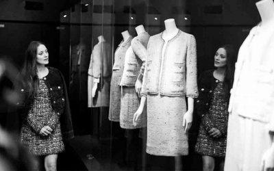 Gabrielle Chanel vuelve a ParísSubtítulo