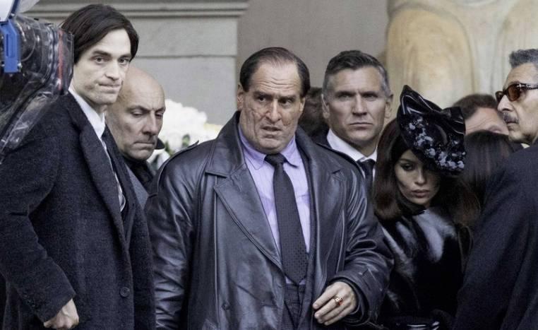 ¿Cómo serán El Pingüino, Falcone y Catwoman en The Batman?Subtítulo