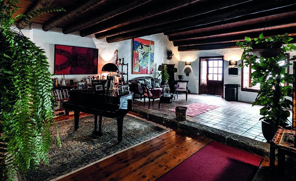 8 espectaculares casas de artistasSubtítulo