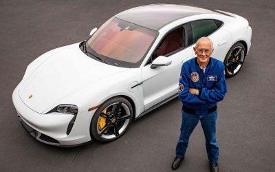 Ex astronauta conduce por primera vez un auto eléctrico en la TierraSubtítulo