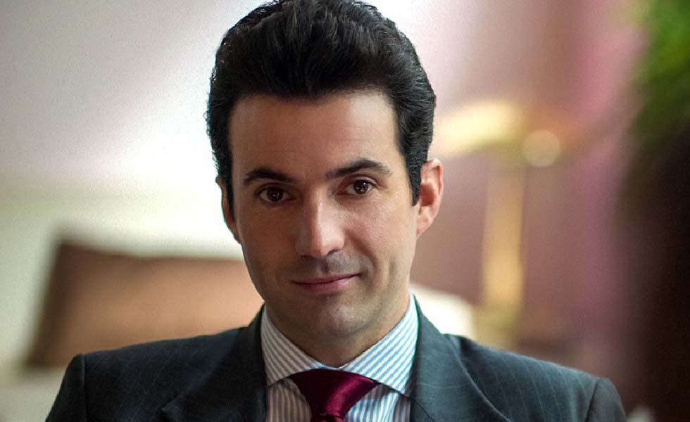 ¿Quién es Patricio Robles en la serie Luis Miguel?Subtítulo
