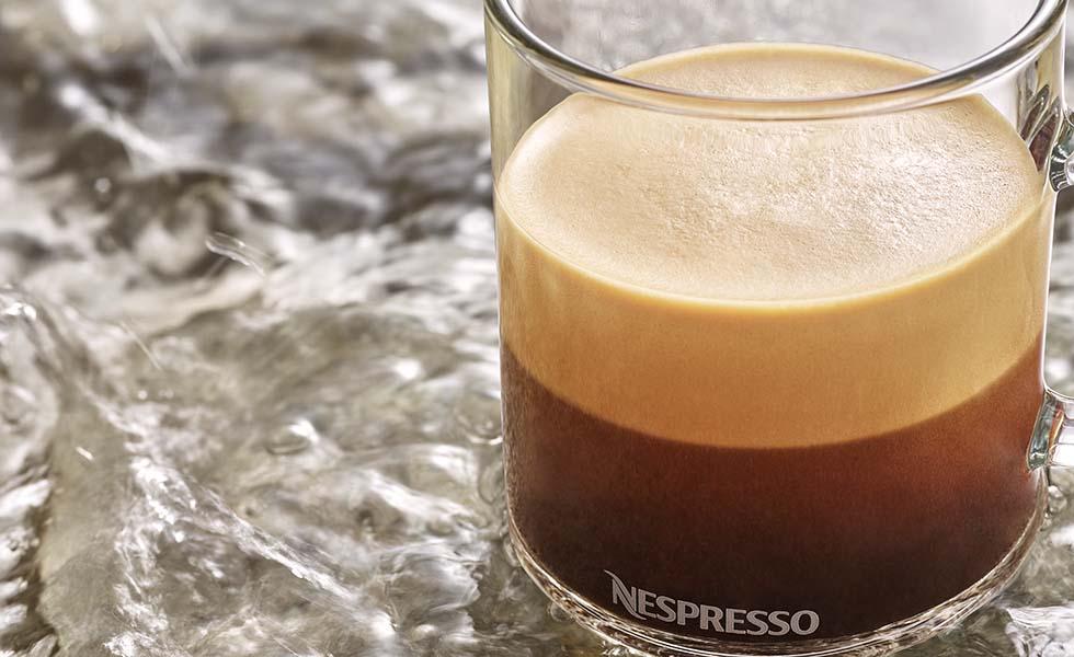 George Clooney y el proceso de una taza de café NespressoSubtítulo